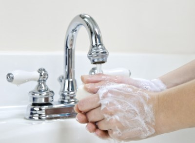 Le lavage des mains: simple mais efficace pour ne pas tomber malade